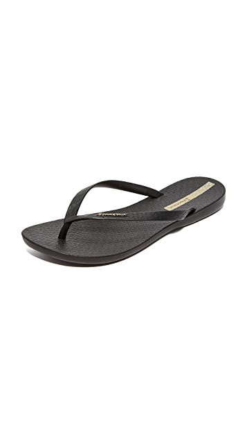 5d040bee962b0e Ipanema Wave Essence Flip Flops