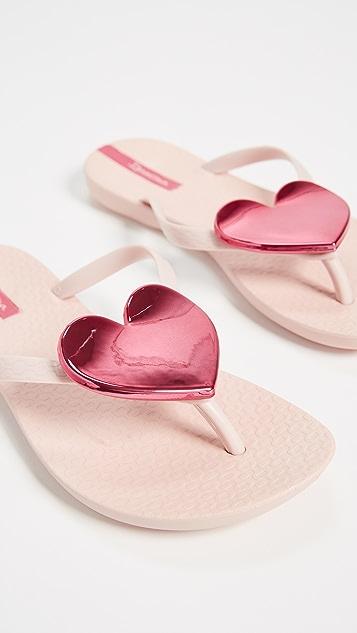 114202a9e ... Ipanema Wave Heart Flip Flops ...