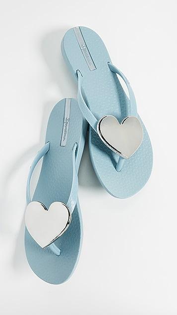 Ipanema Wave Heart Flip Flops