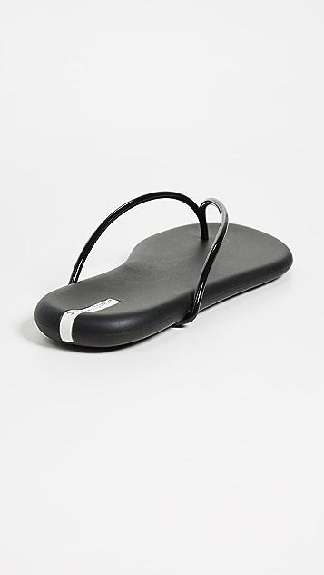 Ipanema Вьетнамки Philippe Starck Thing M II