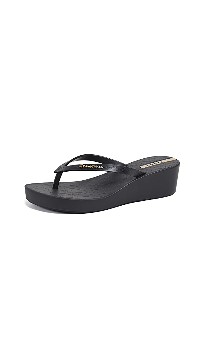 Ipanema Daisy Wedge Flip Flops
