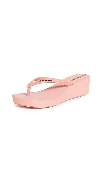 Ipanema Daisy Flip Flops