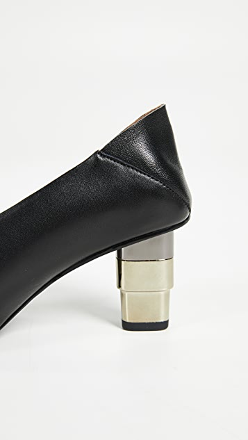 JAGGAR V Cut Convertible Pumps
