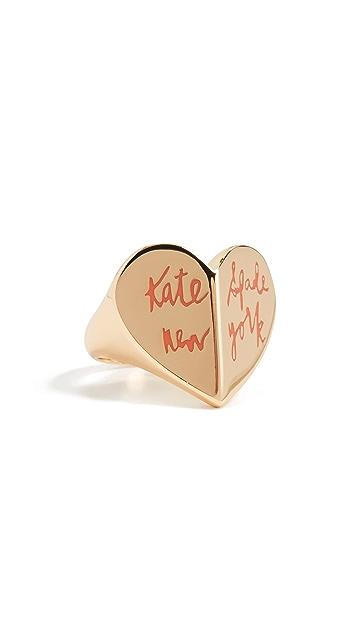 Kate Spade New York Кольцо Heritage Spade с отделкой в виде сердечка