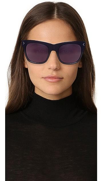 KENDALL + KYLIE Cassie Sunglasses