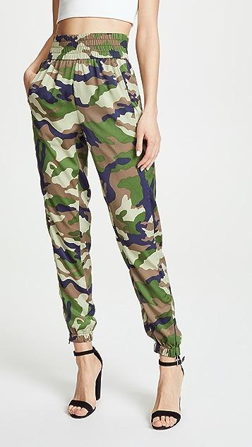 KENDALL + KYLIE Camo Jogger Pants - Camo Print