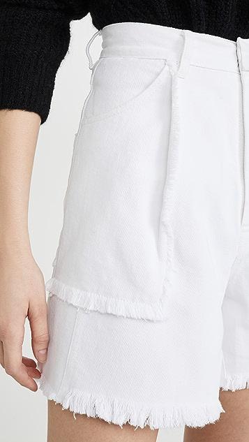 Ksenia Schnaider 牛仔短裤