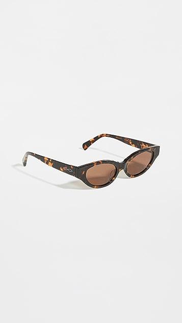 Karen Wazen Glamorous Sunglasses