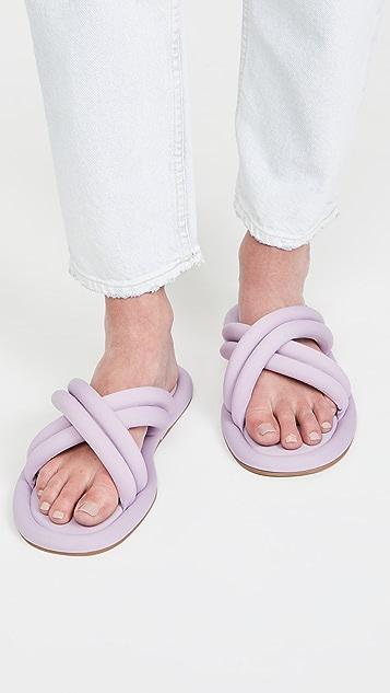 Larroude Cali Lycra 凉鞋