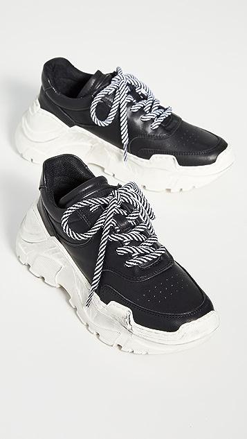 LAST Sprint Sneakers