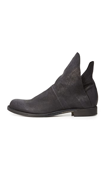LD Tuttle The Narcissus Booties