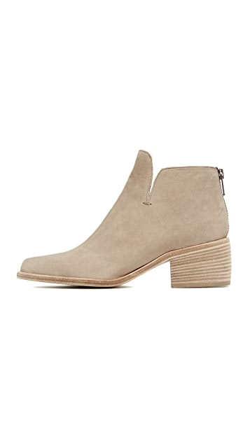 LD Tuttle The Sky Notched Booties