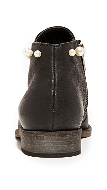 LD Tuttle The Airy Booties