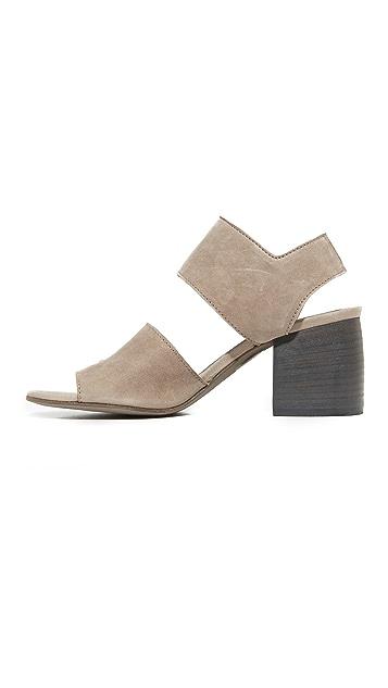 LD Tuttle The Lace Sandals