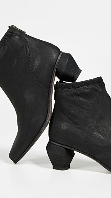 LD Tuttle The Burn Ankle Boots