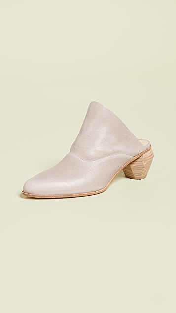 LD Tuttle The Arch Block Heel Mules
