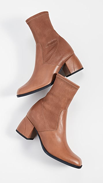 LD Tuttle The Box Booties