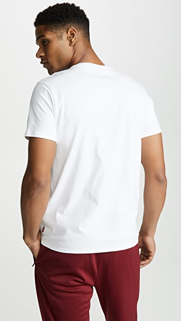 Levi's Red Tab Graphic Set In Neck Tee