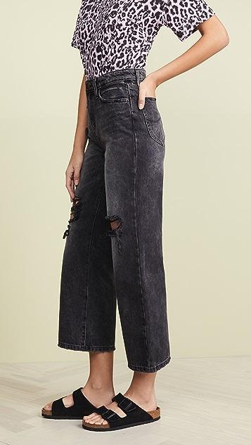 Модель Lee в стиле современный винтаж Джинсы с широкими укороченными брючинами