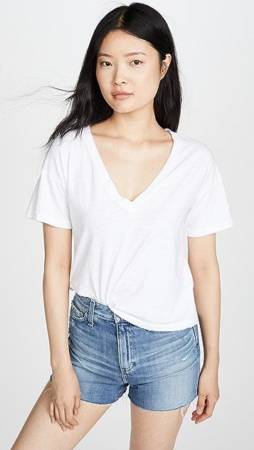 LNA 直筒 V 领 T 恤