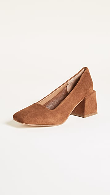LOQ Villa Square Toe Pumps
