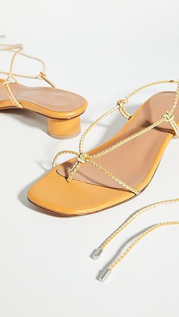 LOQ Dora 系带凉鞋