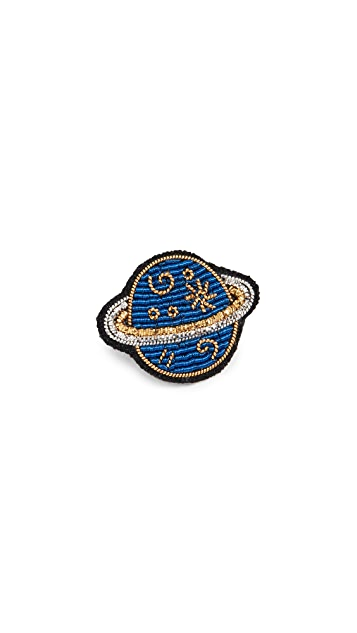 Macon & Lesquoy Saturn Pin