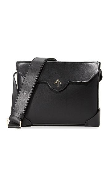 MANU Atelier Смелая сумка на ремне