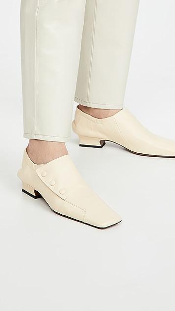 MANU Atelier 钮扣帆布休闲鞋