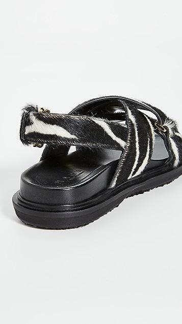 Marni 动物印花交叉凉鞋
