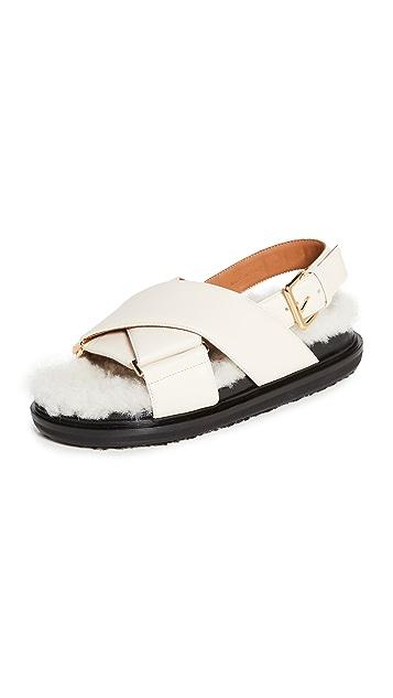 Marni Crossed Fussbett 凉鞋