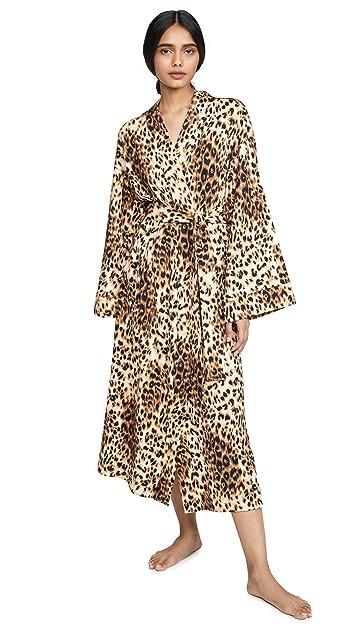 泥灰色 豹纹和服