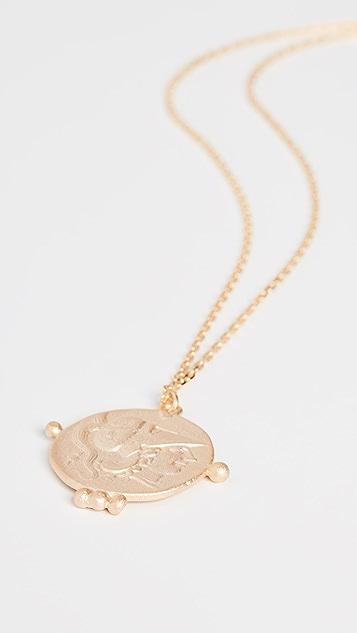 Maison Irem 飞马座金色圆牌项链