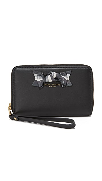 The Marc Jacobs Bow Zip Phone Wristlet