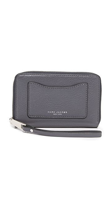 The Marc Jacobs Recruit Zip Wristlet