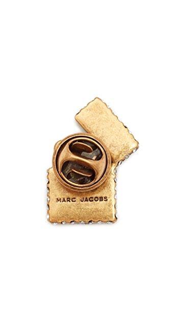 Marc Jacobs Strass Lighter Pin