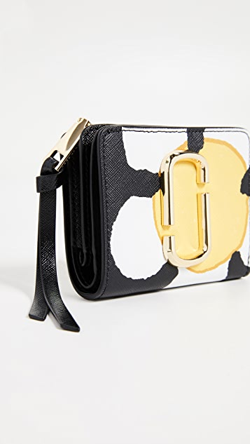 Marc Jacobs Snapshot Daisy Mini Compact Wallet
