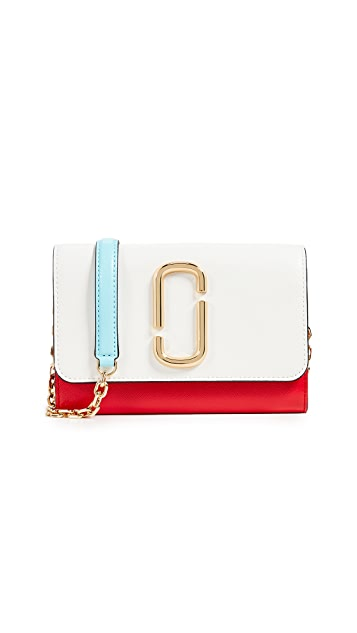 The Marc Jacobs Snapshot Wallet on a Chain