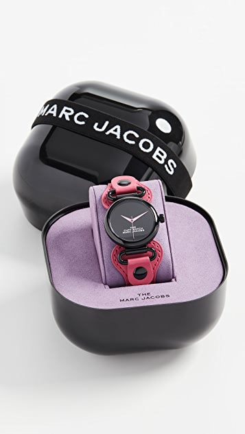 The Marc Jacobs The 36mm Cuff 腕表