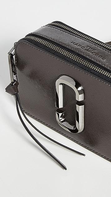 The Marc Jacobs Snapshot DTM 相机包