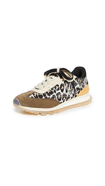 The Marc Jacobs 豹纹慢跑运动鞋