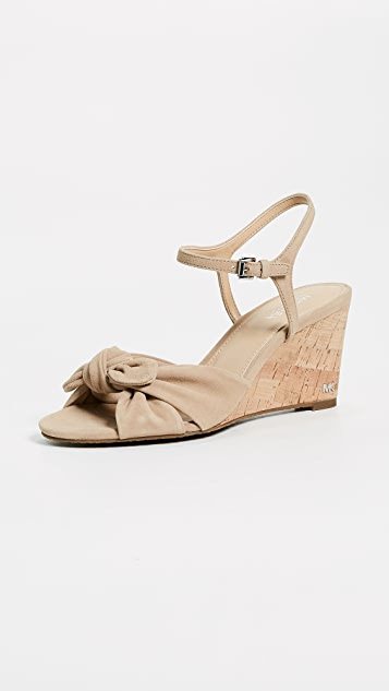 MICHAEL Michael Kors Pippa Wedges - Bisque