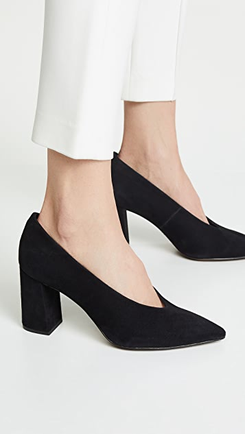 MICHAEL Michael Kors Cambria Point Toe Pumps