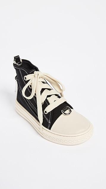 Moschino Shoulder Sneaker Bag