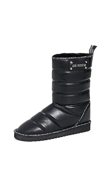 Moschino 绗缝靴