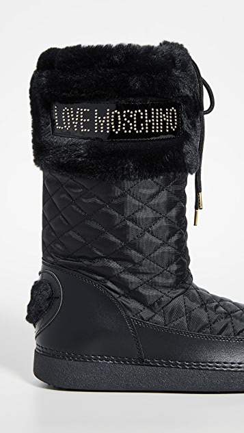 Moschino Snow 靴子
