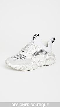 모스키노 Moschino Teddy Sneaker with Vintage Finish,White/Black