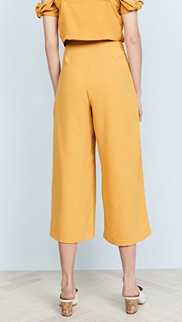 Moon River Tie Front Pants