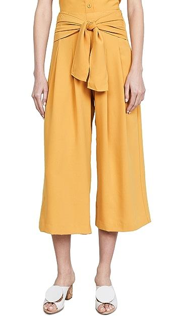Moon River Tie Front Pants