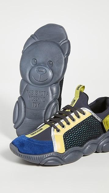 Moschino GJ2 Sneakers
